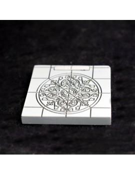 Fusion: Floral Round Tile