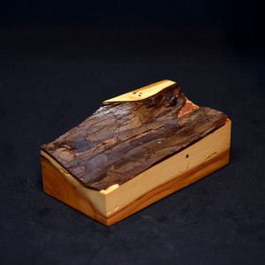 100mm Oblong Bark Topped Wood Plinth